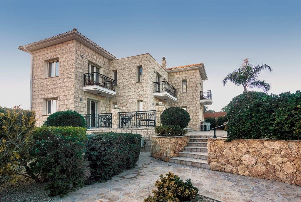 Neo Chorio Luxury Villa